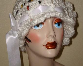 Elegant Hand Crochet Edwardian Shell Stitch Cloche Flapper Hat w/ Ribbon/Rose Flower/Fashion Accessories/Women's Accessories/Cloche Hat