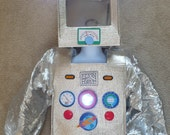 Cute Robot Costume, Really Lights Up,size XS (2-4) for Dress Up or Halloween
