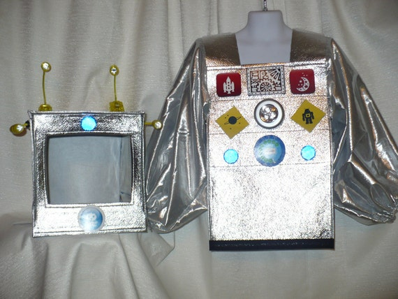 Cute Robot Costume, size 4/6, for Halloween or Dress Up, REALLY LIGHTS UP