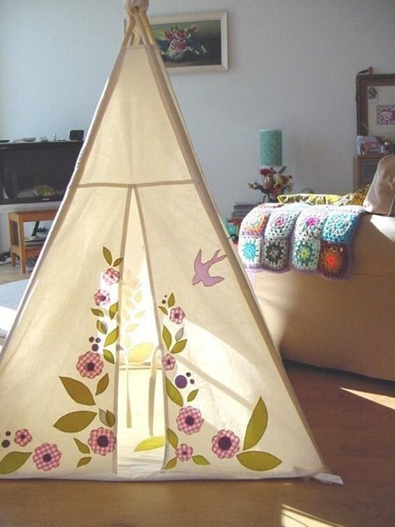 Indoor play tent - pinks