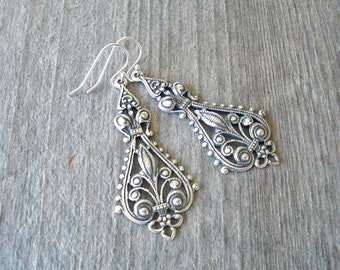 Antique Silver Filigree Earrings - Chandelier Bohemian Earrings - Bohemian Jewelry - Bridesmaid Earrings