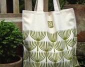 green seed  heads shopping bag