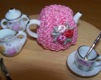 Miniature ooak Crochet dollhouse TEA POT COZY with roses