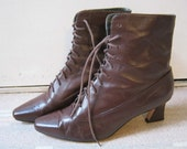 Brown leather over ankle medium heel lace up grannie boots size 8M