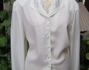 Vintage white crepe blouse, white blouse with detailed satiny collar cuffs, professional business white blouse size 12
