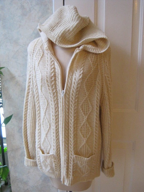 Exceptional handmade in Ireland pure new wool fisherman sweater zip front with hood size L