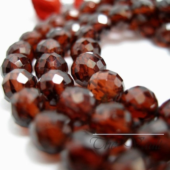 12 Garnet 5mm faceted rounds