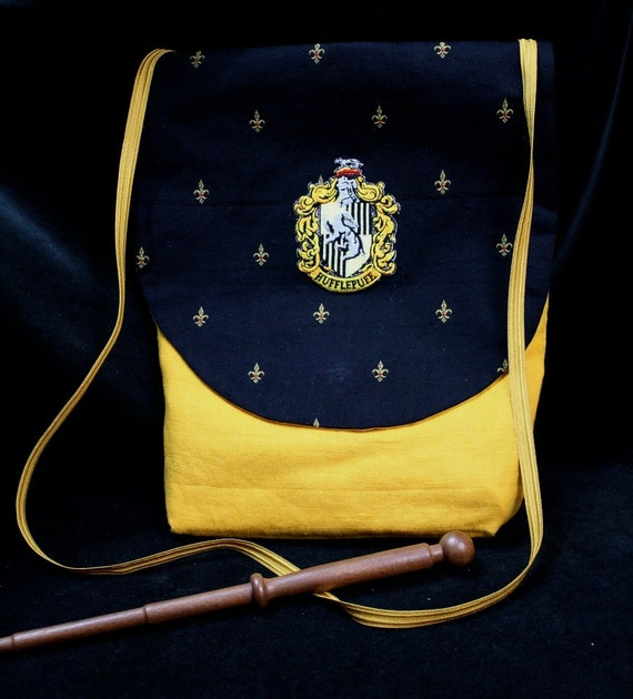 Hufflepuff Wand Purse - cross shoulder strap/ Wand Pocket