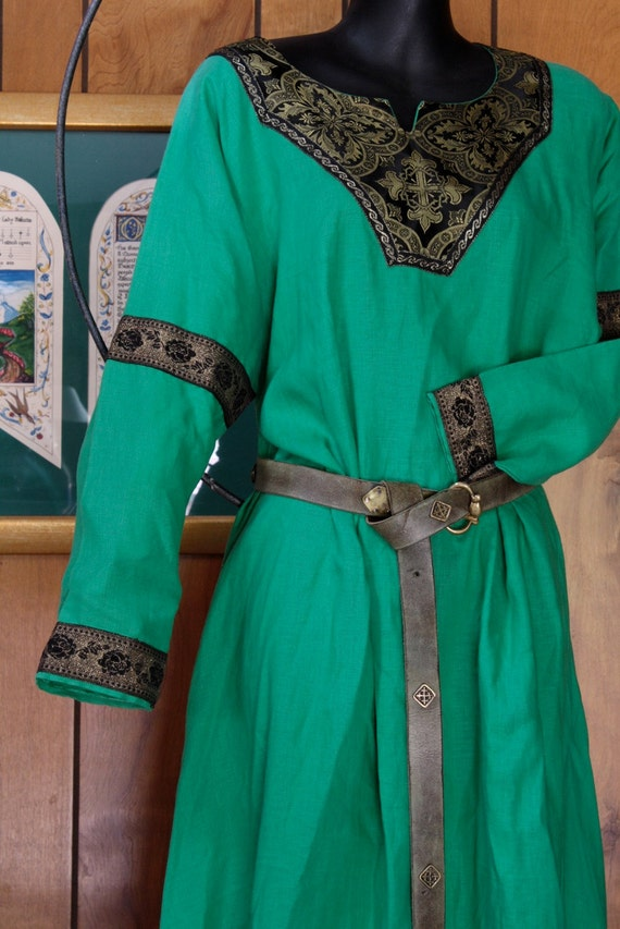 Grass Green and Black Medieval Tunic Dress / SCA Garb / Spring ritual dress