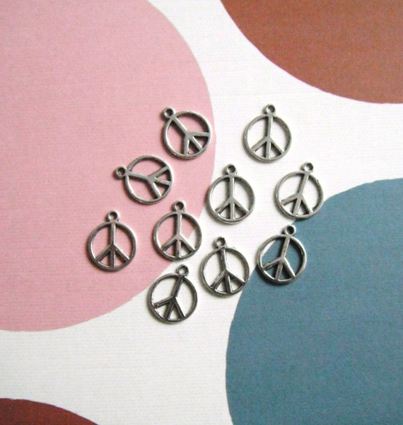 Peace Sign Charms Antique Silver Pack Of 20
