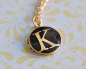 Locket Necklace Initial Jewelry Custom Alphabet Jewelry Monogramm Letter Vintage Lockets Personalized Gift Gifts Layering Necklaces Verabel