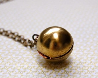 Locket Necklace Vintage Ball and Chain Locket Orb Sphere Lockets Necklace Unique Shape Brass Copper