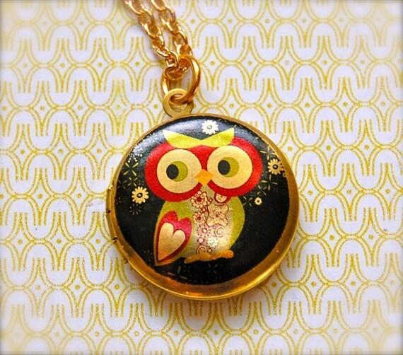 The Mod Owl Locket - Vintage