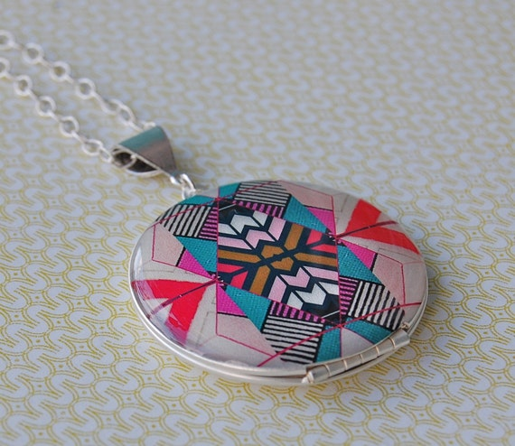 The Kaleidoscope Locket - Vintage - Fine Silver