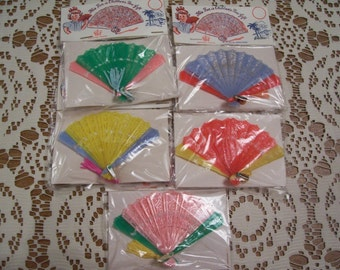 Vintage Plastic Fans toys or favors new in the origional package lot of 5