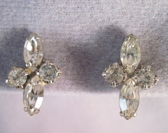 Vintage Screwback rhinestone earrings