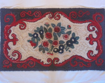 Hand Hooked Wool Thro Rug Made from Recycled Wool
