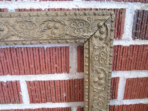 Antique Ornate Victorian Wood Frame with Beautiful Carved Botanical Design