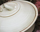 Handmade Pottery No-knead bread baker in Maria's White