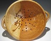 Handmade Ceramic Berry Bowl in Latte