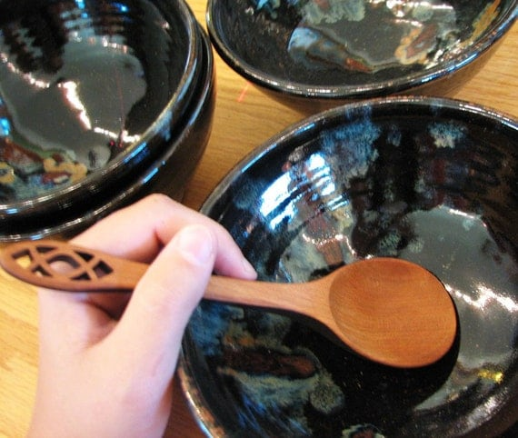 Pottery bowls in Midnight Garden for Spicy hot Chili