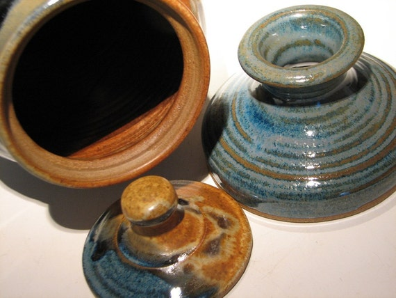 Stoneware Pottery  vinegar crock in Joe's Blues to craft your own vinegar