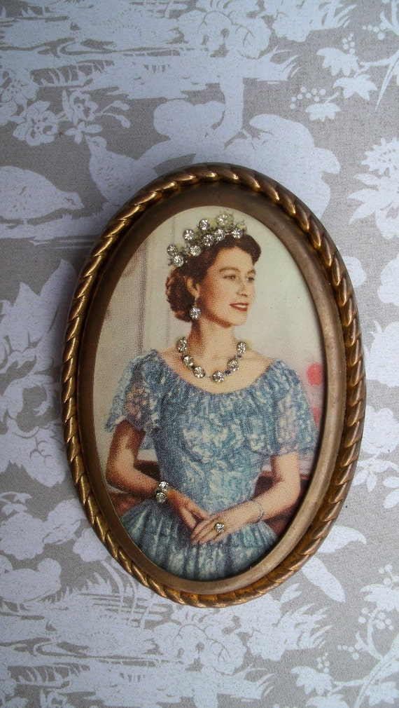 Vintage Pinback Coronation Souvenir Brooch - In Honor of Queen Elizabeth's Diamond Jubilee