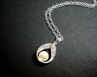 Bridal necklace, Pearl drop necklace, Wedding necklace, Bridal jewelry, Flower girl necklace, Bridesmaid necklace, Bridesmaid jewelry