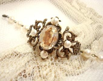 Crystal Bridal bracelet, Pearl Wedding bracelet, Wedding jewelry, Vintage style bracelet, Swarovski crystal bracelet, Antique brass bracelet