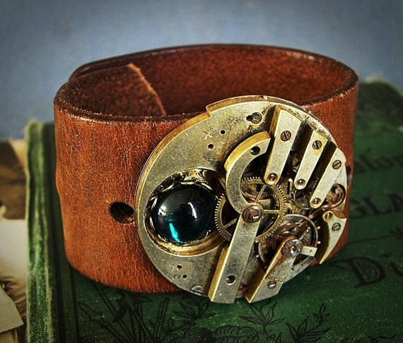 Men's Steampunk Cuff Leather with Antique Watch Movement