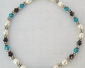 Pearl and Blue Swarovski Stretch Bracelet (B120)