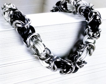 Chainmaille Bracelet - Black and White