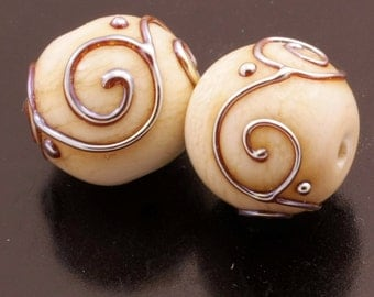 Glass Art Lampwork Beads Handmade Metallic Scrolls Crackle Cream Ivory Round Earring Pair Heather Behrendt BHV SRA LETeam