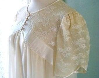 Vintage Lace Satin Robe, Shadowline Lingerie Peignoir Chiffon Lace Satin Robe, Sheer Sleepwear Cream Ivory Bridal Lingerie Size M