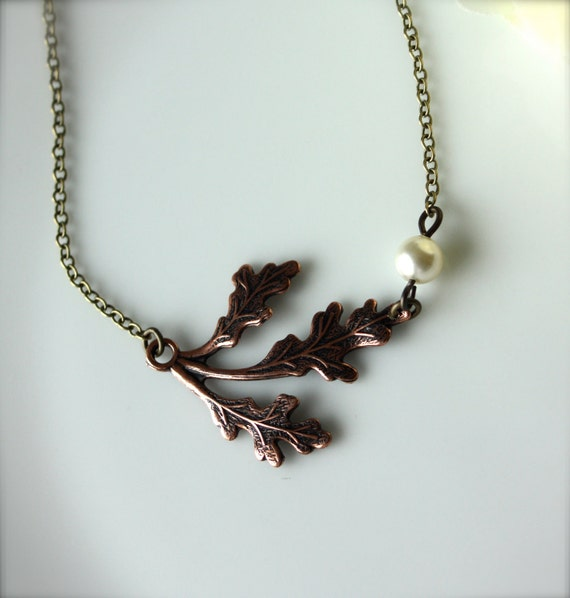 A Single Copper Oak Leaf and Pearl Necklace.  Vintage Style Necklace. Vintage Wedding. Bridesmaid Gift. Gifts For Her. Bridesmaid Necklaces