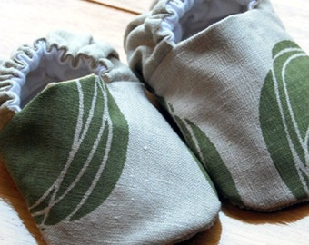 Olive Swirl Reversible Baby Shoes