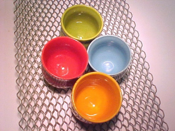Serving Set 4 Cups Bright Colors Mustard Orange Lime Red Aqua White Tray Pottery