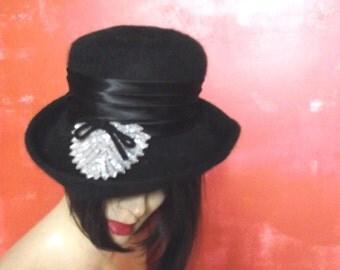 70s Felt Hat / Vintage Shaq Lon / Silver Sequins