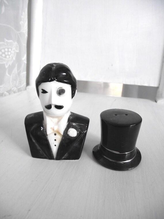 Vintage 60s Salt & Pepper Shakers Top Hat n Gentleman