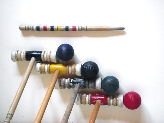 Vintage 70s Croquet Set. 4 Balls 4 Mallets 1 stake