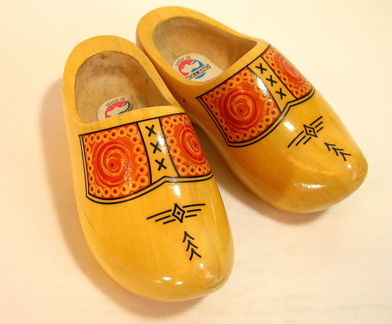 Vintage dutch clogs shoes for Vintage sites like etsy