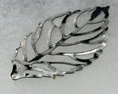Holiday Sale 20 pcs of Gunmetal Finished Leaf Dangle Pendant Drop -  44x26mm - Ship from CA USA