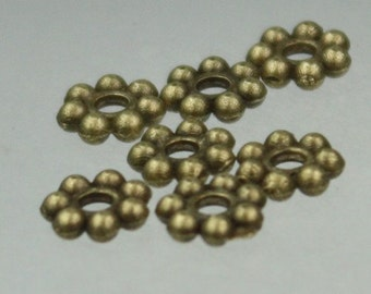 200 pcs - Antique Brass Finished Daisy Flower Spacer Beads - 6mm