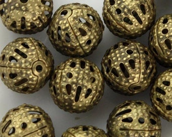 50 pcs of Antique Brass Filigree Round Beads Spacer - 8mm