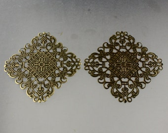 10 pcs of Antiqued brass filigree drop 50x50mm
