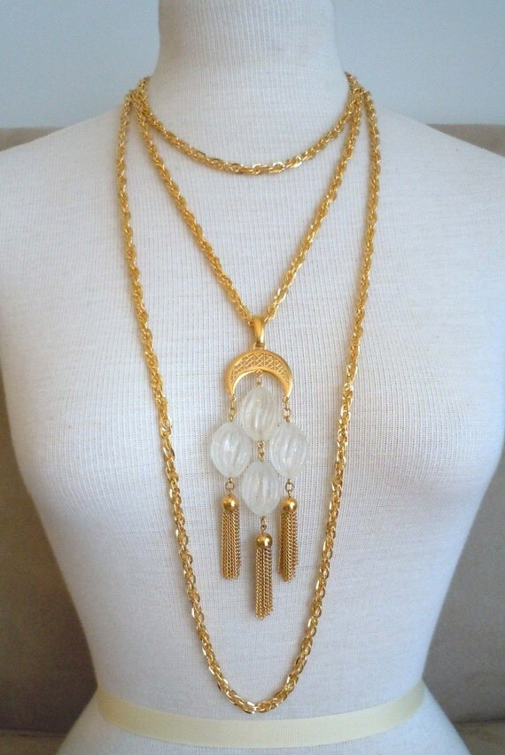 Capri -- Vintage Trifari Pendant with Gold Chainmaille Woven Chain Necklace