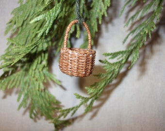 Miniature hand woven fairy basket with handle, 1/12th scale, made to order