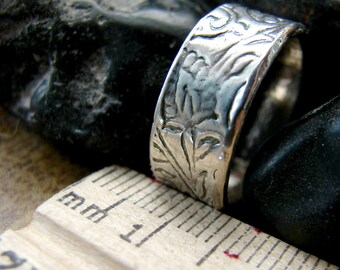 Patterned Wedding Ring. Simple Sterling Silver Wedding Band. Paisley Wedding Ring. Handmade Wedding Ring. Engravable Wedding Band