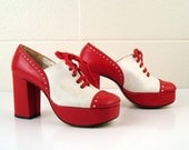 Vintage 1970s Platform Shoes Made by Qualicraft Red and White Saddle Oxfords size 7