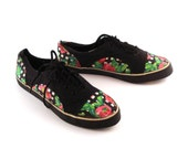 Floral Canvas Sneakers  Vintage 1980s Black and Rose Print Women's size 8